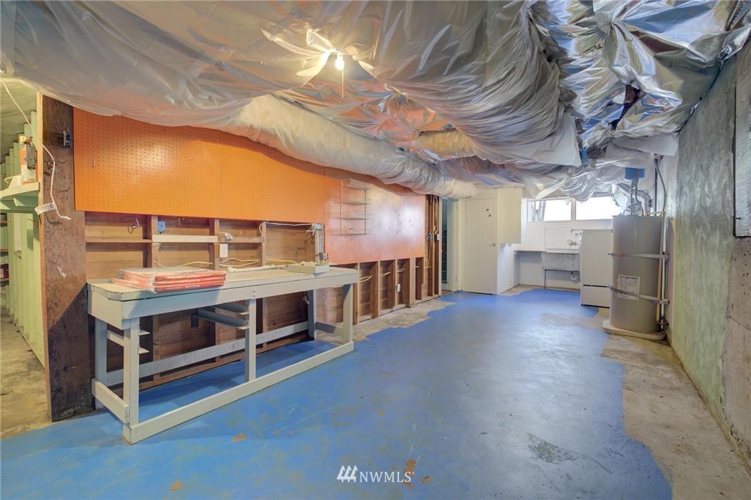 Sold Property | 10941 Oakwood Avenue S Seattle, WA 98178 20