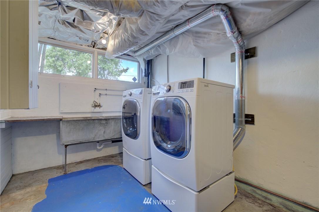 Sold Property | 10941 Oakwood Avenue S Seattle, WA 98178 21