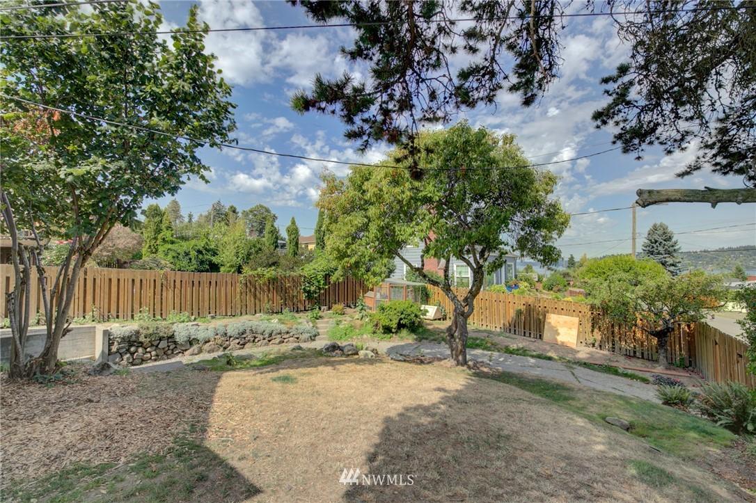 Sold Property | 10941 Oakwood Avenue S Seattle, WA 98178 22