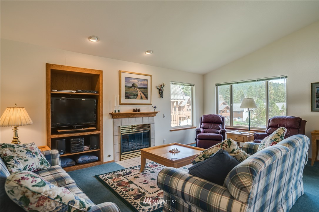 Sold Property | 100 Enchantment Parkway #403 Leavenworth, WA 98826 3