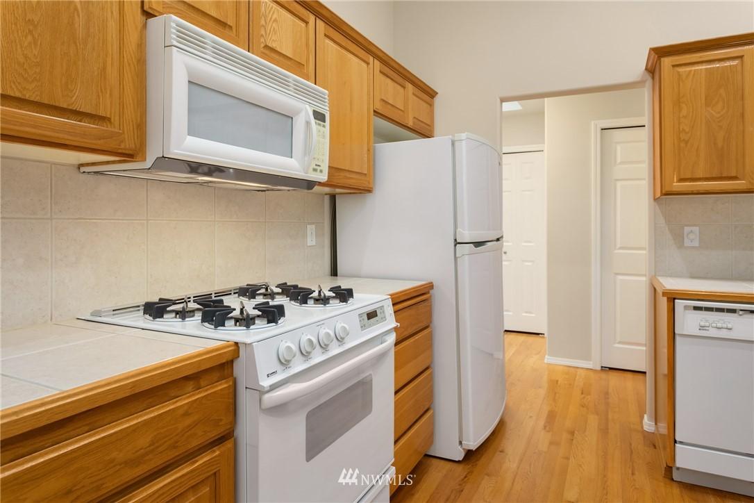 Sold Property | 19404 2nd Drive SE #B Bothell, WA 98012 5