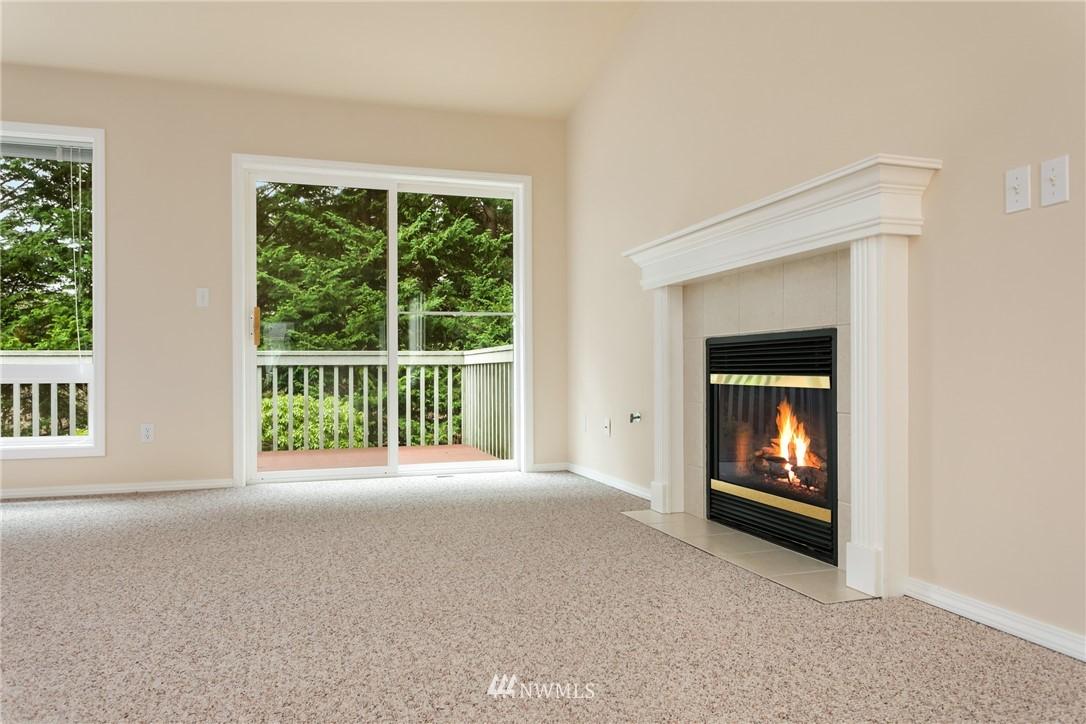 Sold Property | 19404 2nd Drive SE #B Bothell, WA 98012 6