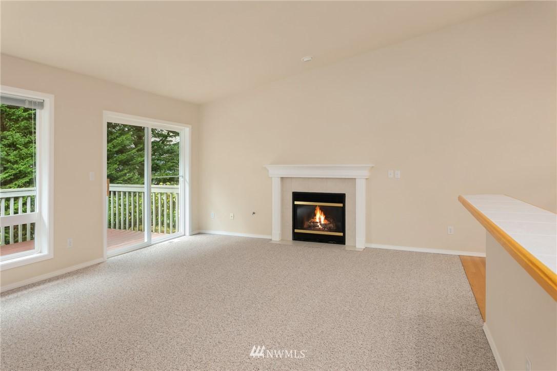Sold Property | 19404 2nd Drive SE #B Bothell, WA 98012 8