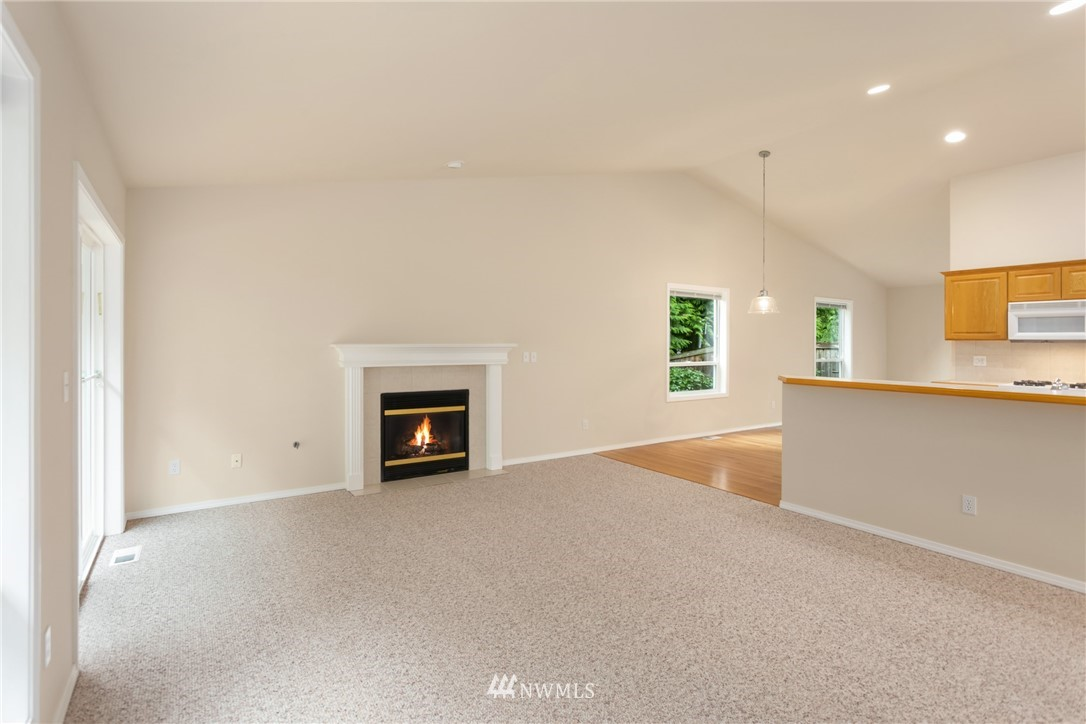 Sold Property | 19404 2nd Drive SE #B Bothell, WA 98012 9