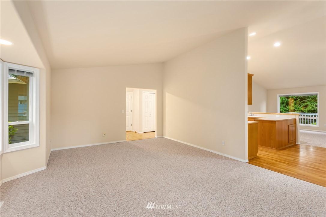 Sold Property | 19404 2nd Drive SE #B Bothell, WA 98012 10
