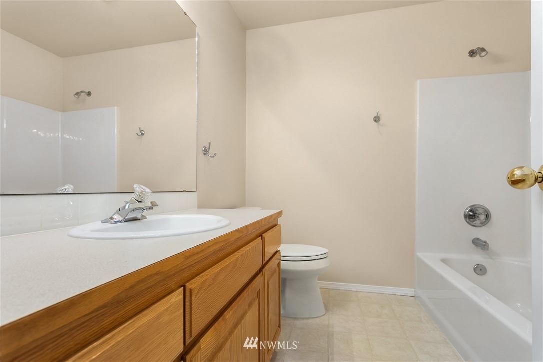 Sold Property | 19404 2nd Drive SE #B Bothell, WA 98012 12