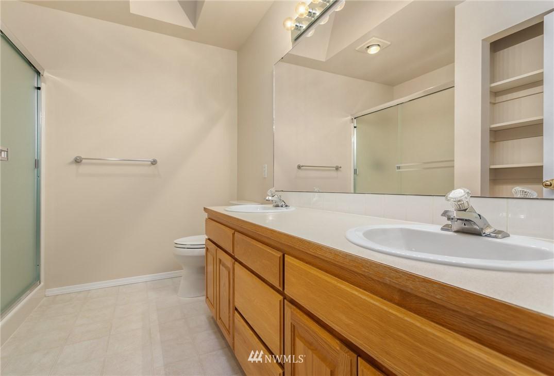 Sold Property | 19404 2nd Drive SE #B Bothell, WA 98012 16