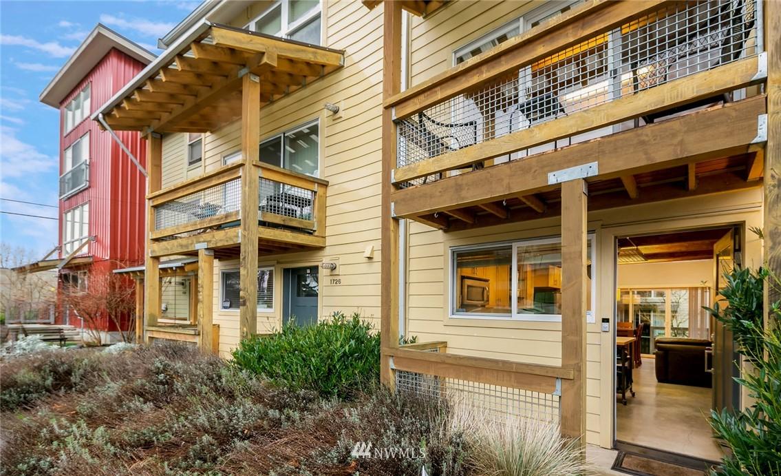 Sold Property | 1724 SW Barton Street Seattle, WA 98106 0