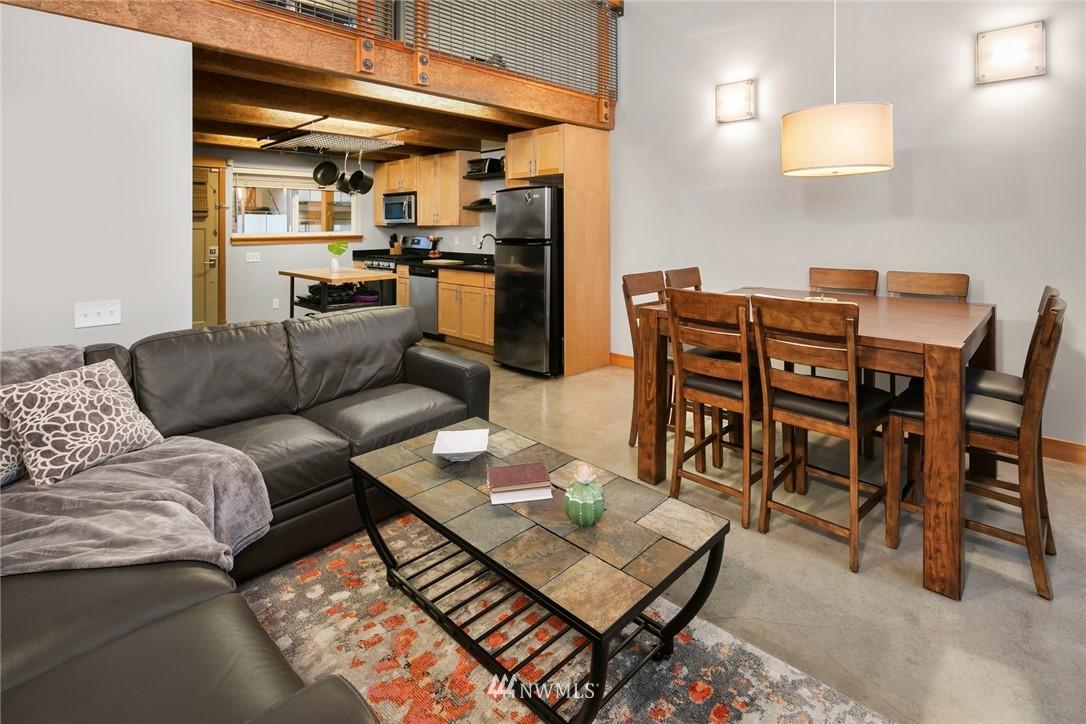 Sold Property | 1724 SW Barton Street Seattle, WA 98106 7