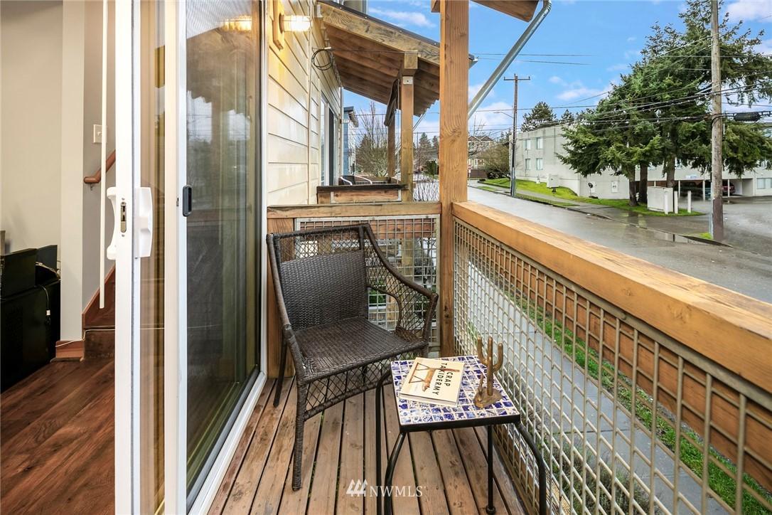 Sold Property | 1724 SW Barton Street Seattle, WA 98106 11
