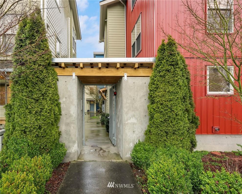 Sold Property | 1724 SW Barton Street Seattle, WA 98106 20
