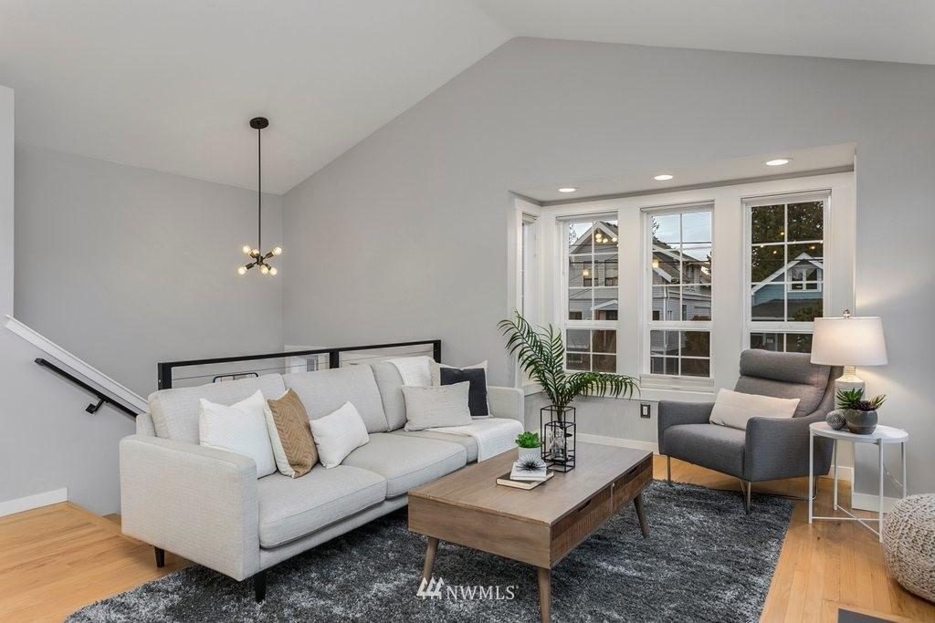 Sold Property | 4547 S Findlay Street Seattle, WA 98118 2