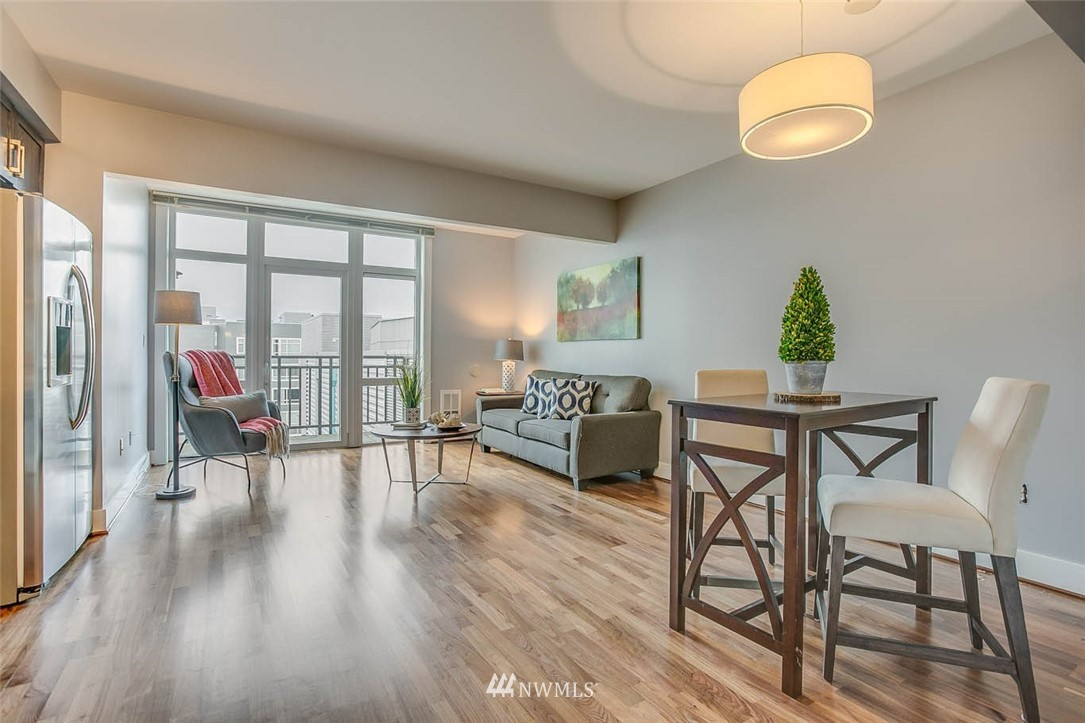 Sold Property | 699 John Street #708 Seattle, WA 98109 3