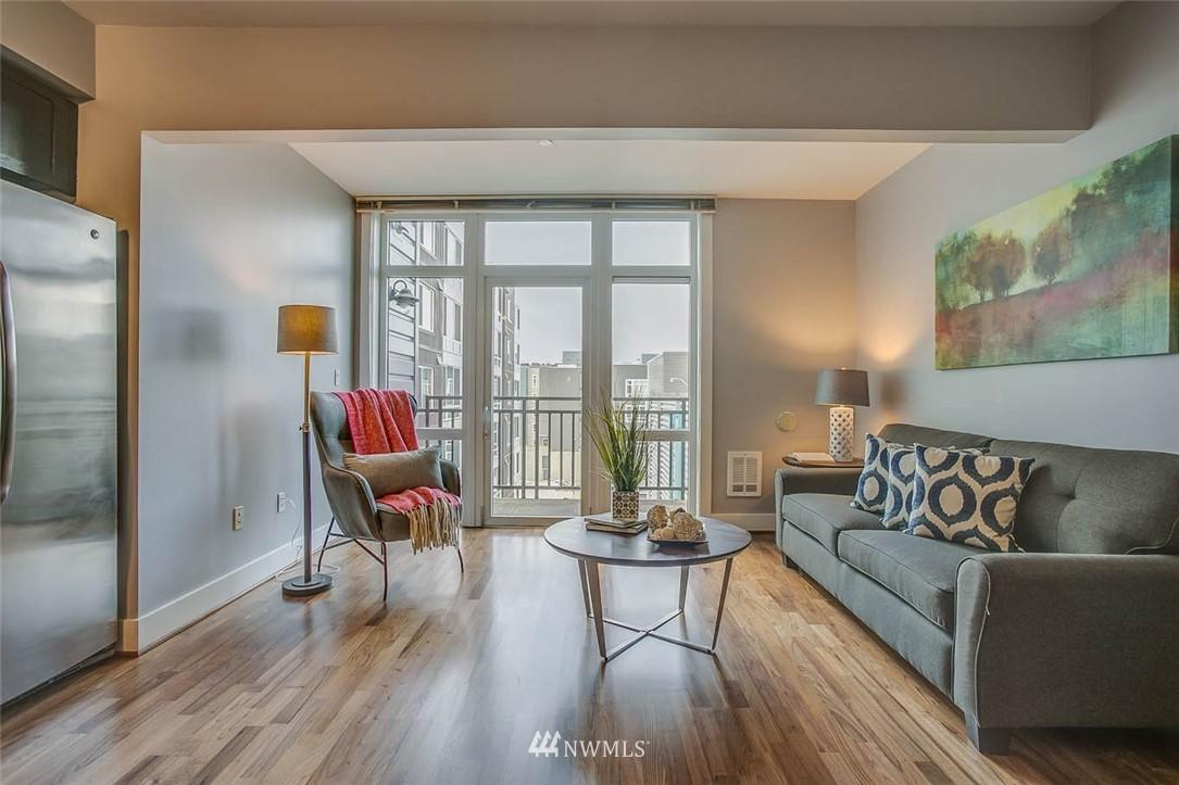 Sold Property | 699 John Street #708 Seattle, WA 98109 4