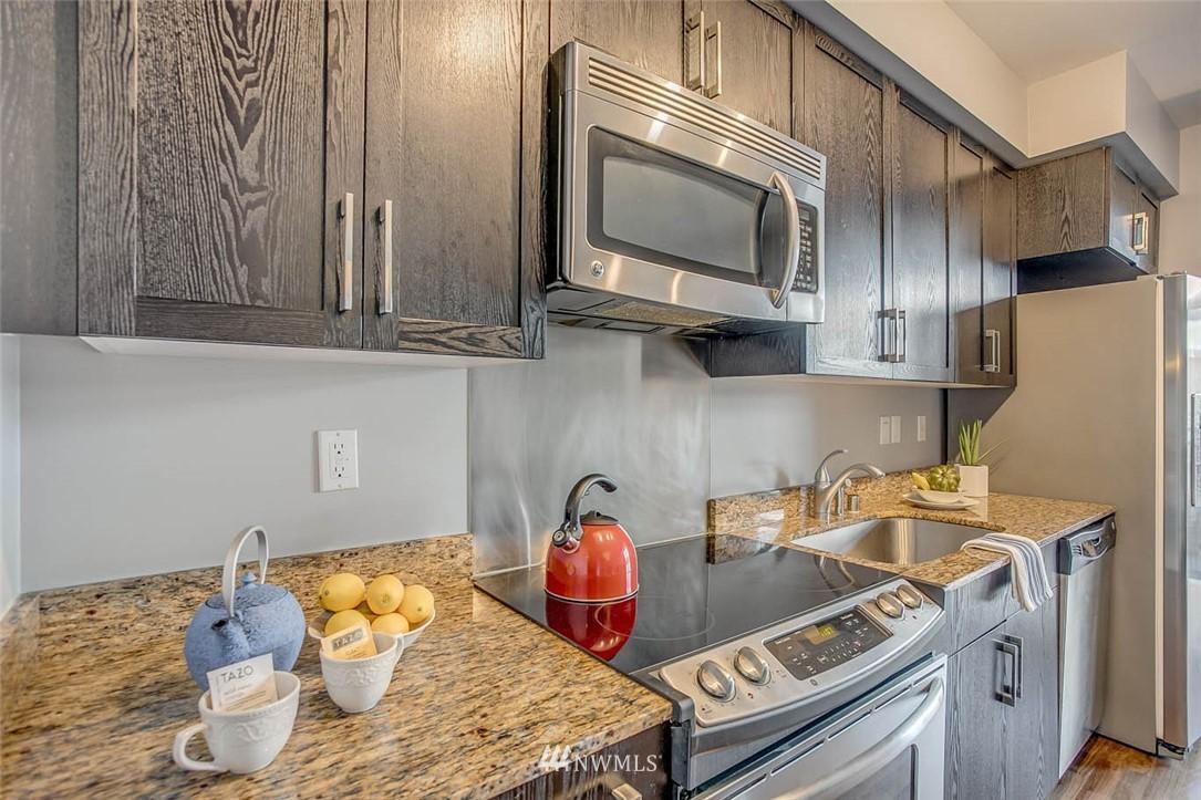 Sold Property | 699 John Street #708 Seattle, WA 98109 8