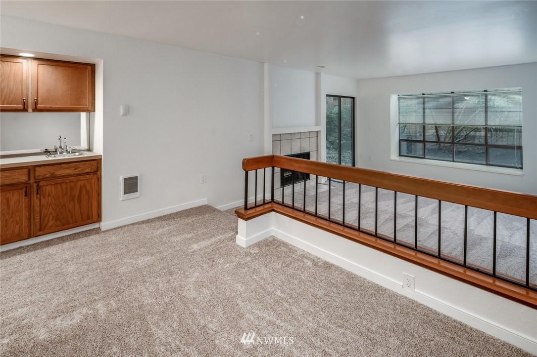 Sold Property | 10545 Meridian Avenue N ##104 Seattle, WA 98133 4