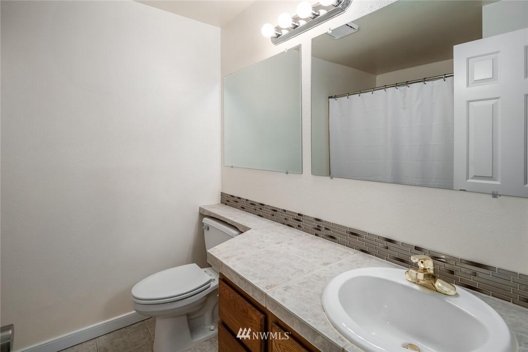 Sold Property | 10545 Meridian Avenue N ##104 Seattle, WA 98133 11