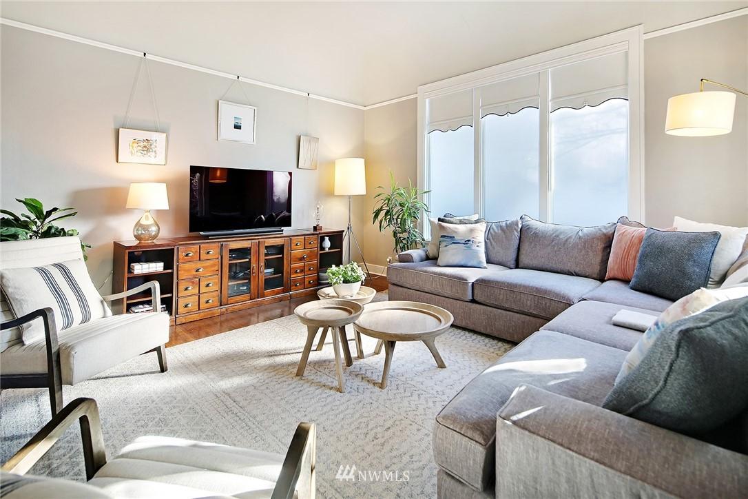 Sold Property   3440 39th Avenue SW Seattle, WA 98116 5