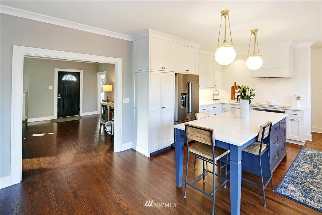 Sold Property   3440 39th Avenue SW Seattle, WA 98116 6
