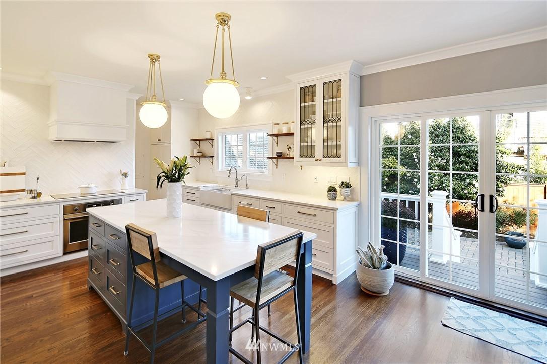 Sold Property   3440 39th Avenue SW Seattle, WA 98116 7