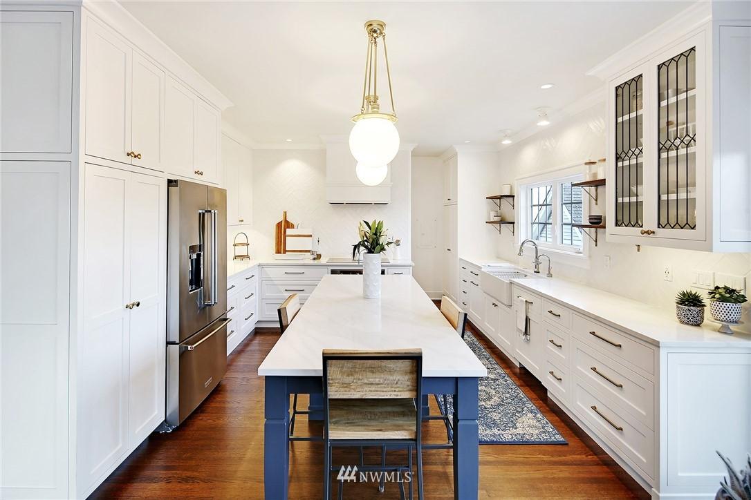 Sold Property   3440 39th Avenue SW Seattle, WA 98116 8