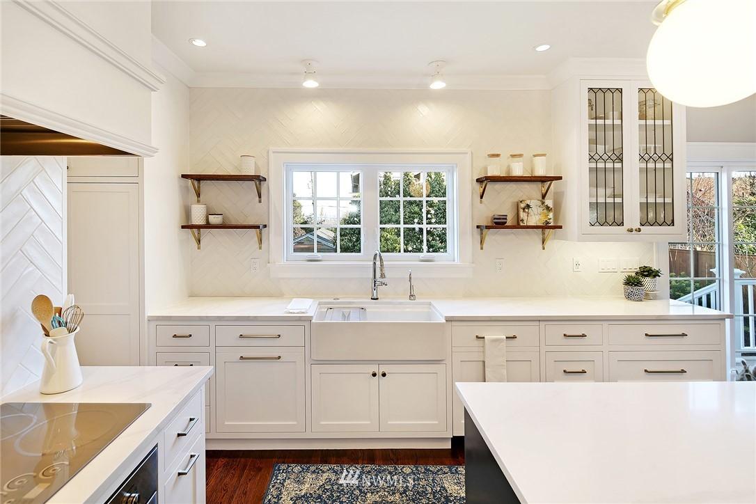 Sold Property   3440 39th Avenue SW Seattle, WA 98116 9