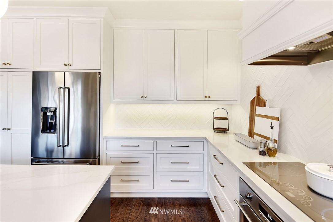Sold Property   3440 39th Avenue SW Seattle, WA 98116 11