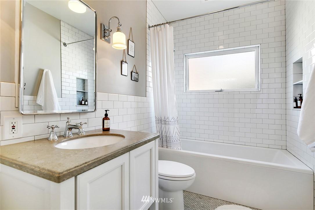 Sold Property   3440 39th Avenue SW Seattle, WA 98116 14