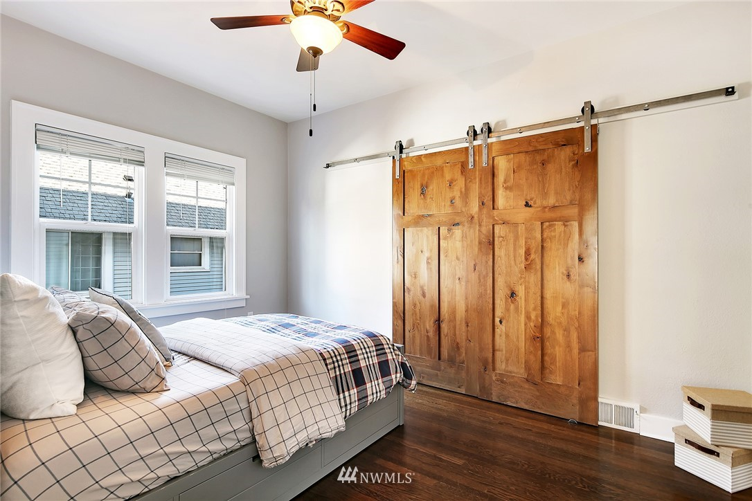 Sold Property   3440 39th Avenue SW Seattle, WA 98116 15