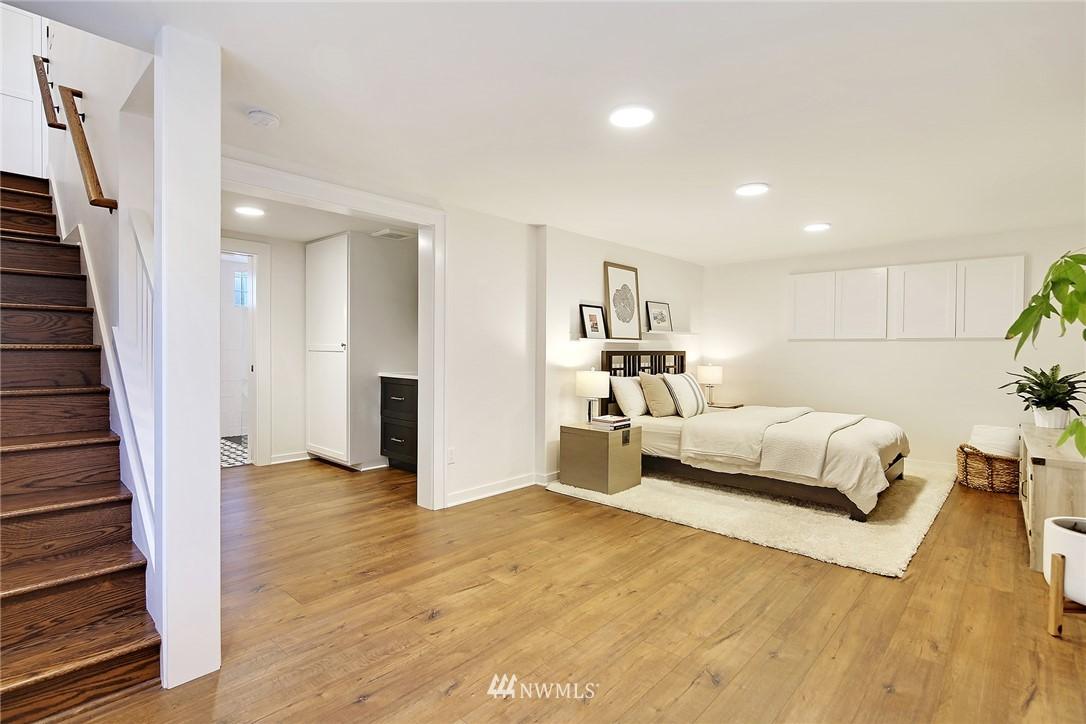Sold Property   3440 39th Avenue SW Seattle, WA 98116 16