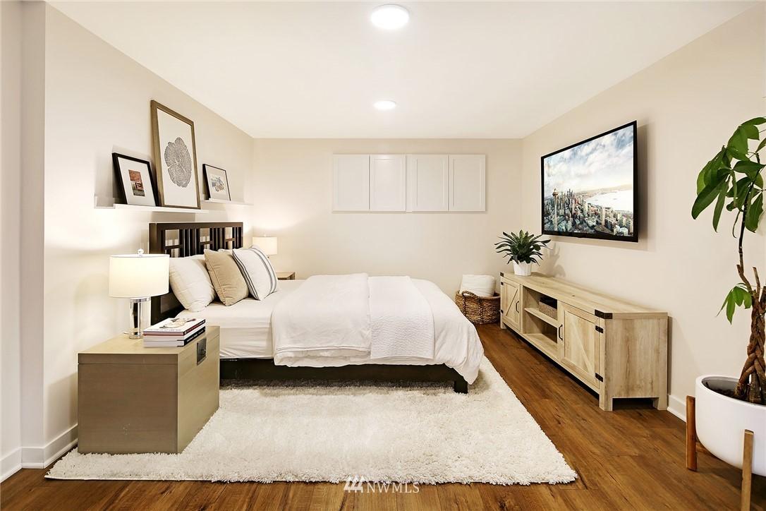 Sold Property   3440 39th Avenue SW Seattle, WA 98116 17