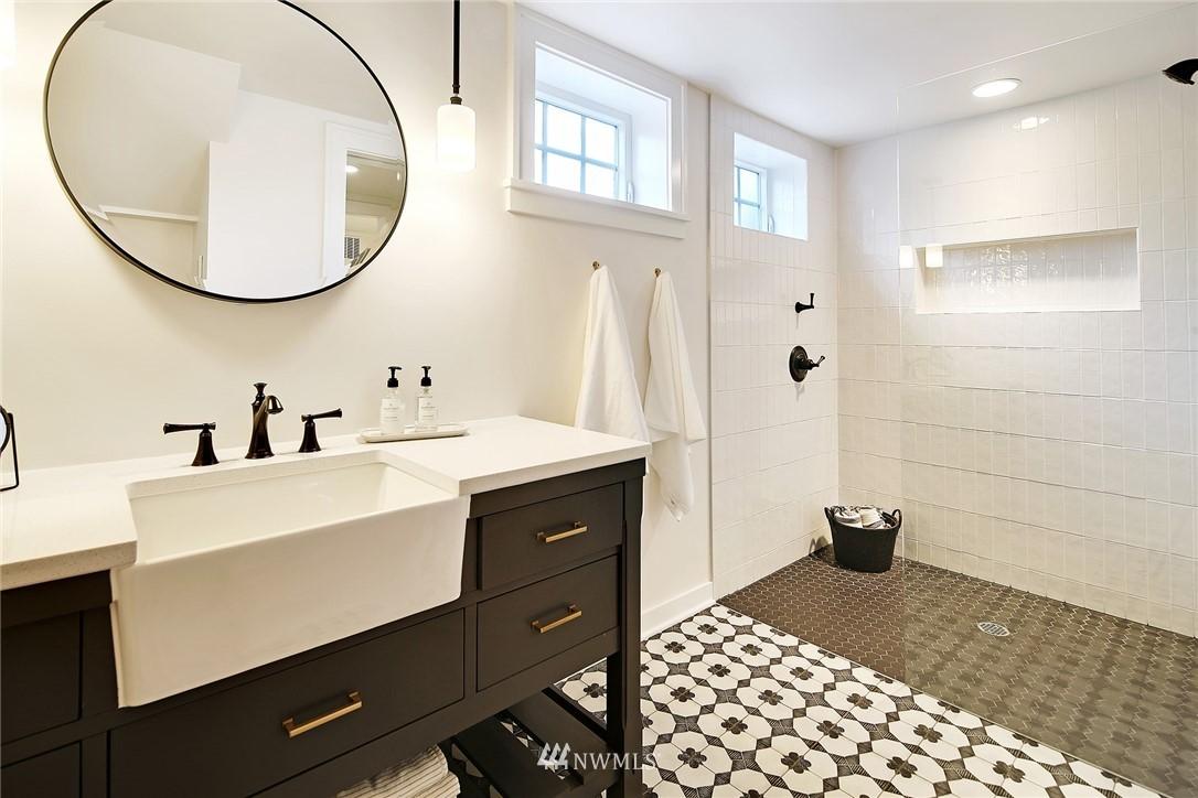 Sold Property   3440 39th Avenue SW Seattle, WA 98116 19