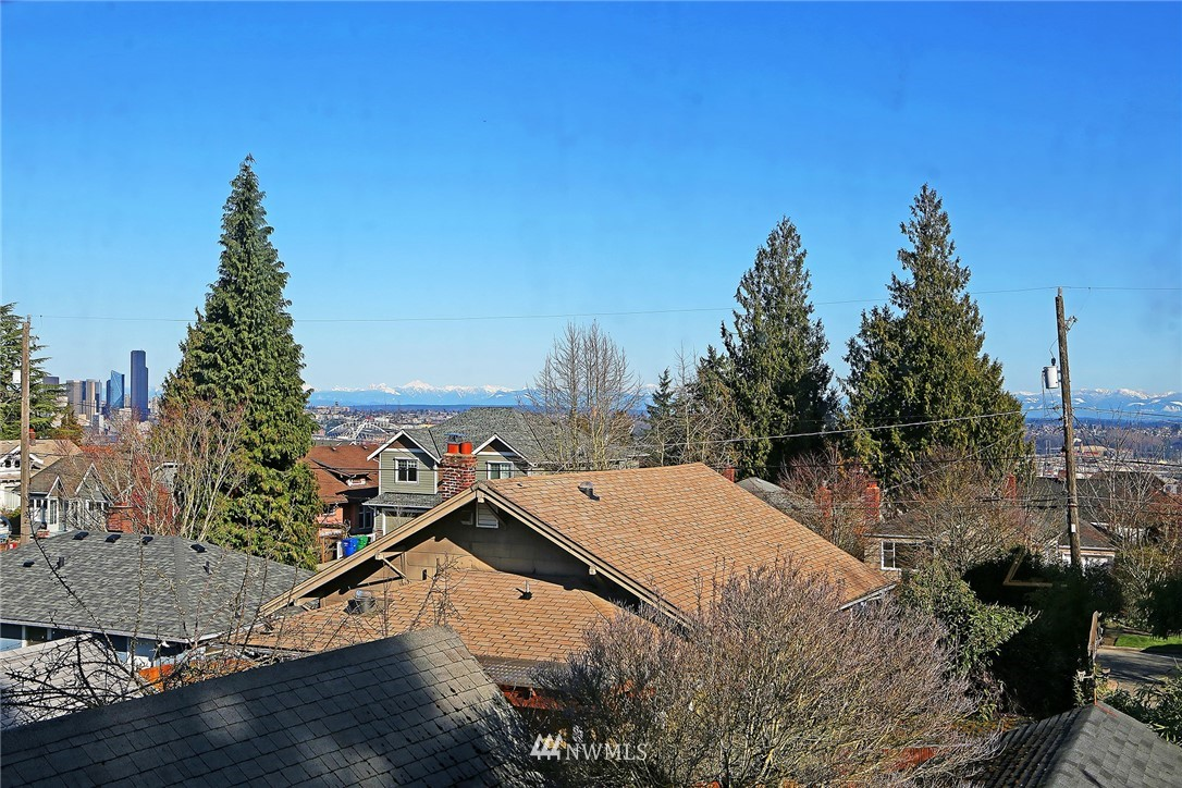 Sold Property   3440 39th Avenue SW Seattle, WA 98116 23