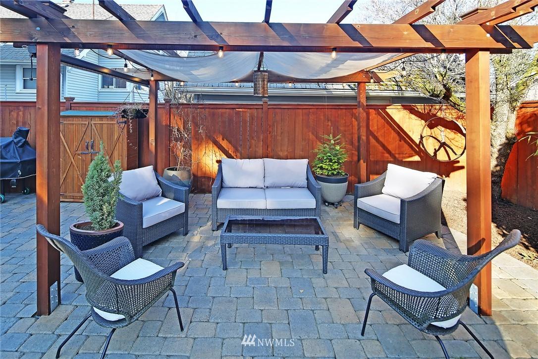 Sold Property   3440 39th Avenue SW Seattle, WA 98116 25