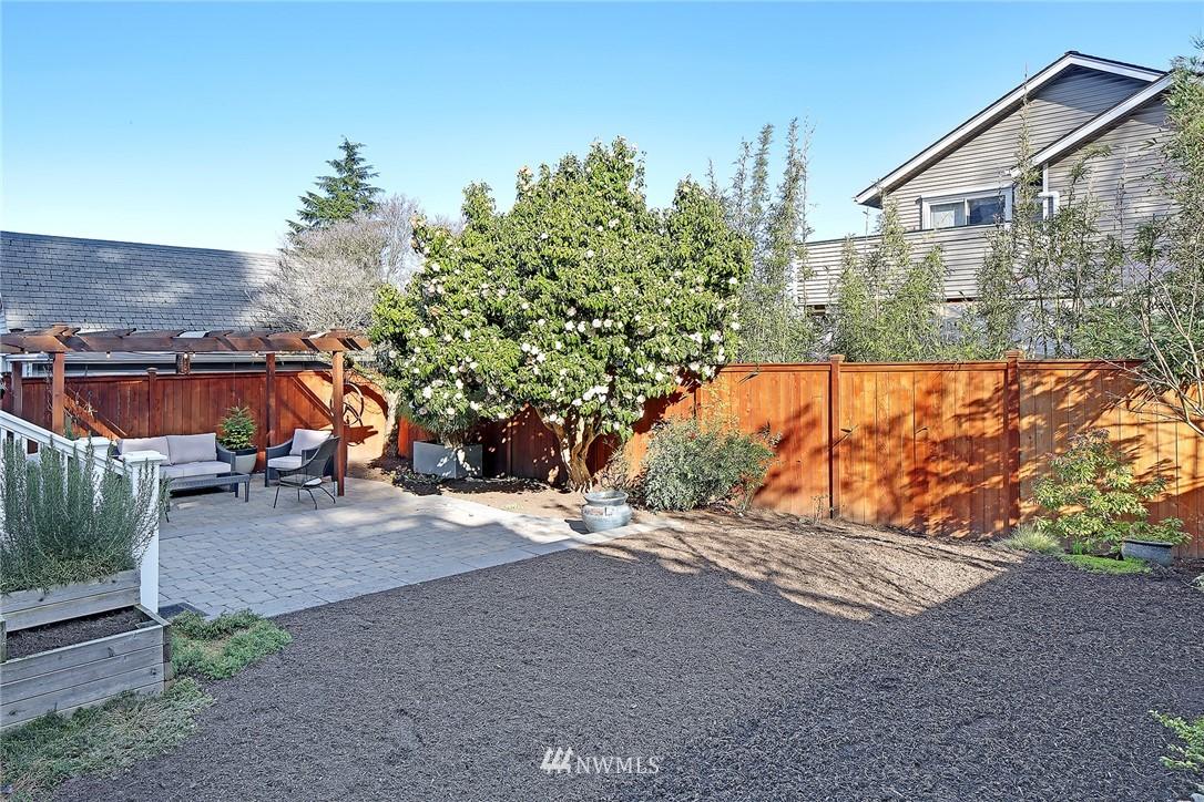 Sold Property   3440 39th Avenue SW Seattle, WA 98116 27
