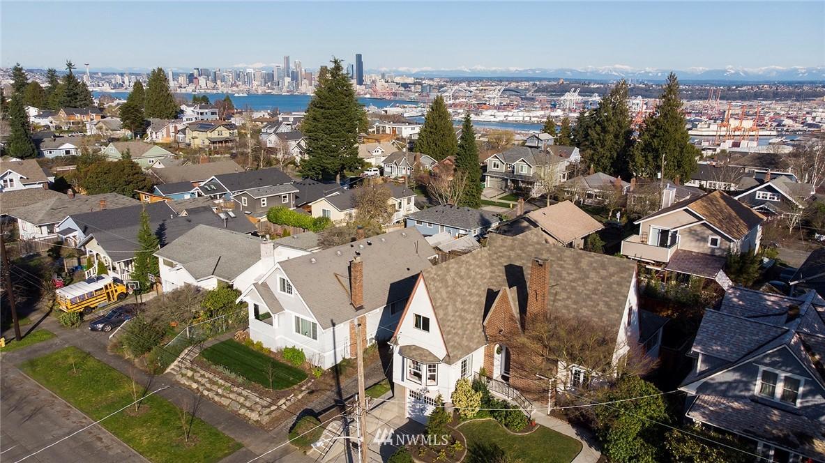 Sold Property   3440 39th Avenue SW Seattle, WA 98116 28