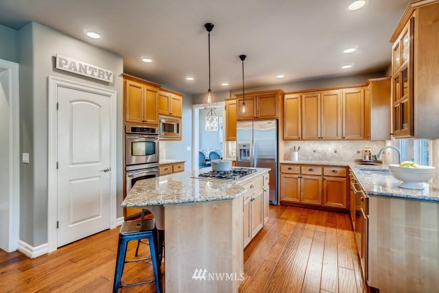Sold Property | 27520 SE 28th Court Sammamish, WA 98075 8
