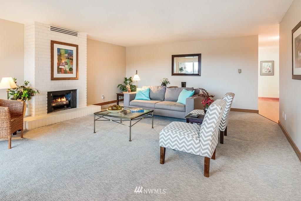 Sold Property   4545 Sand Point Way NE #806 Seattle, WA 98105 6