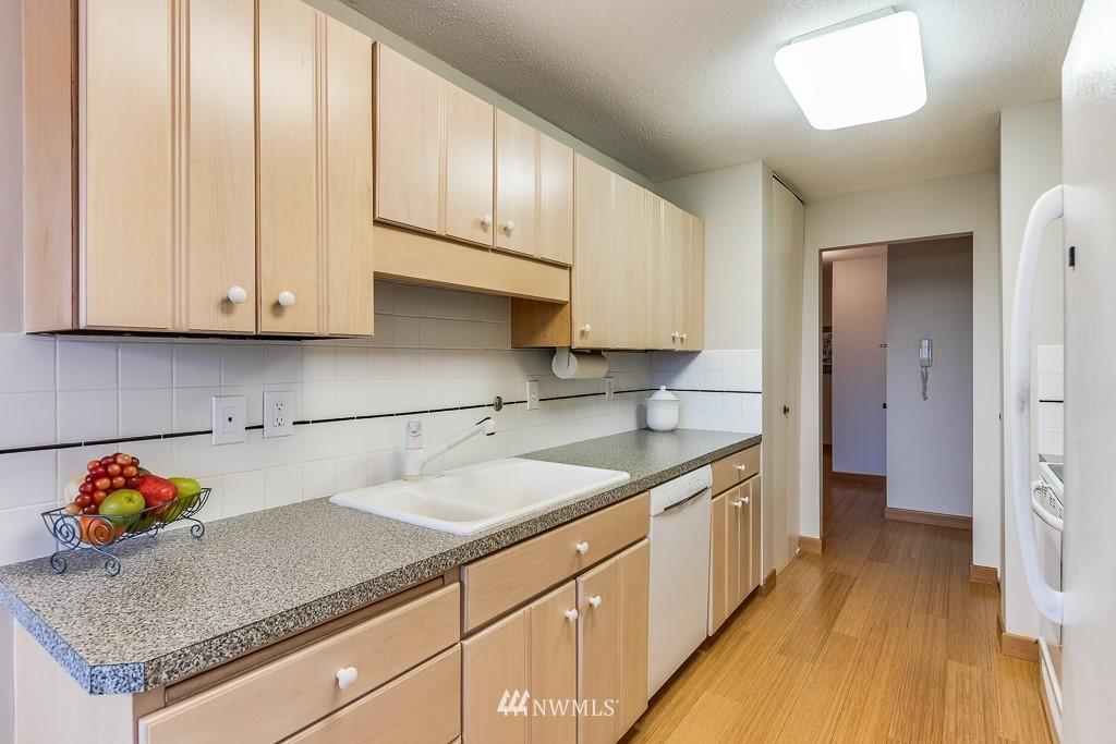 Sold Property   4545 Sand Point Way NE #806 Seattle, WA 98105 8