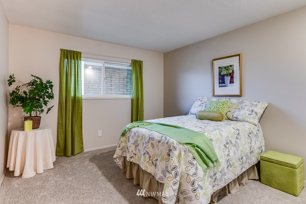 Sold Property   4545 Sand Point Way NE #806 Seattle, WA 98105 14