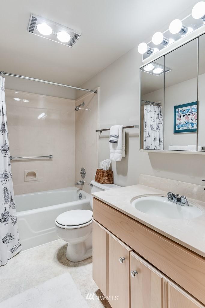 Sold Property   4545 Sand Point Way NE #806 Seattle, WA 98105 15