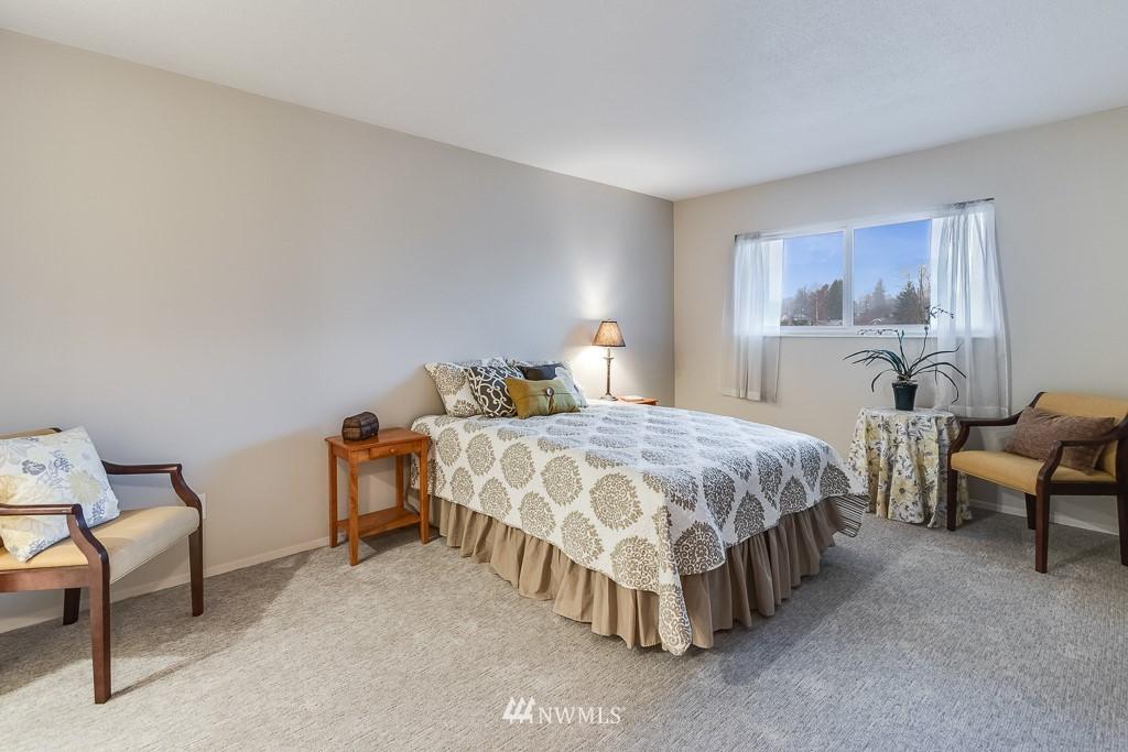 Sold Property   4545 Sand Point Way NE #806 Seattle, WA 98105 11