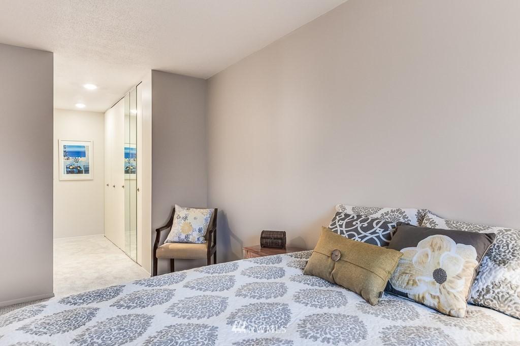 Sold Property   4545 Sand Point Way NE #806 Seattle, WA 98105 13
