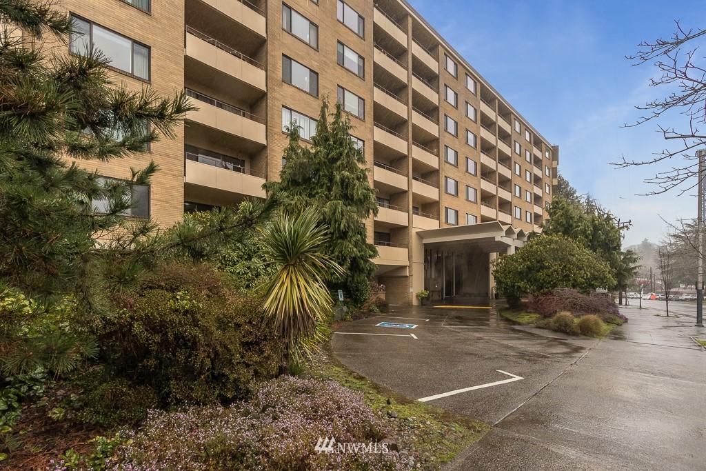 Sold Property   4545 Sand Point Way NE #806 Seattle, WA 98105 17