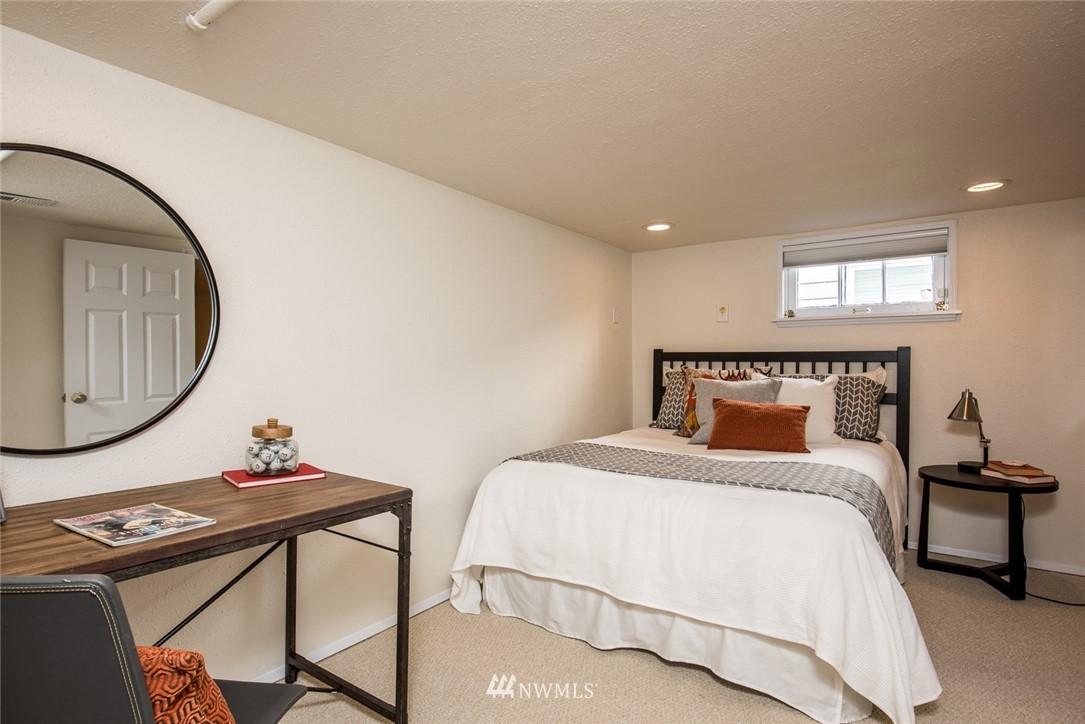 Sold Property | 7520 Earl Avenue NW Seattle, WA 98117 12