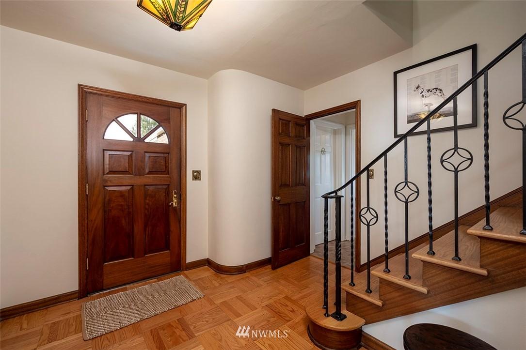 Sold Property | 2820 39th Ave W Seattle, WA 98199 1
