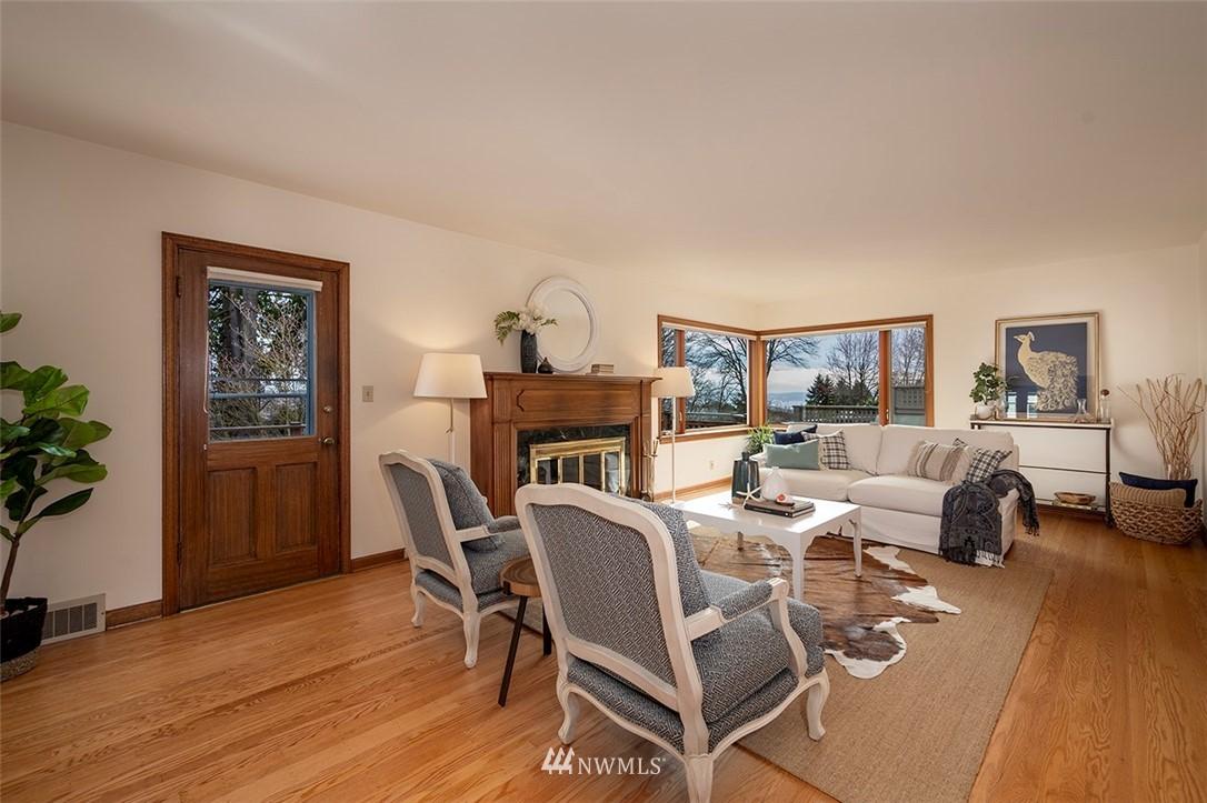 Sold Property | 2820 39th Ave W Seattle, WA 98199 3