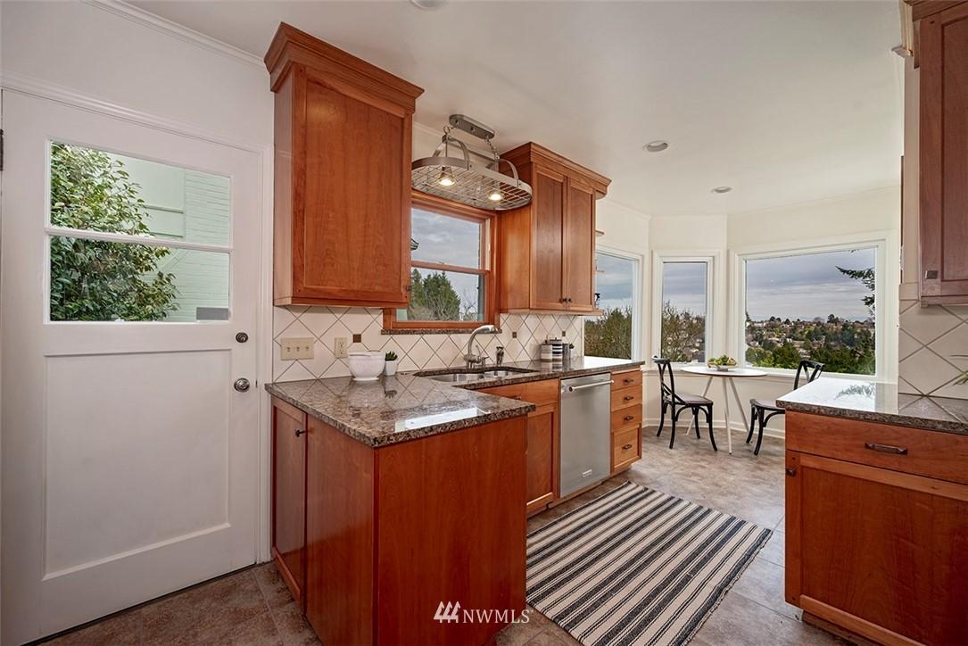 Sold Property | 2820 39th Ave W Seattle, WA 98199 9