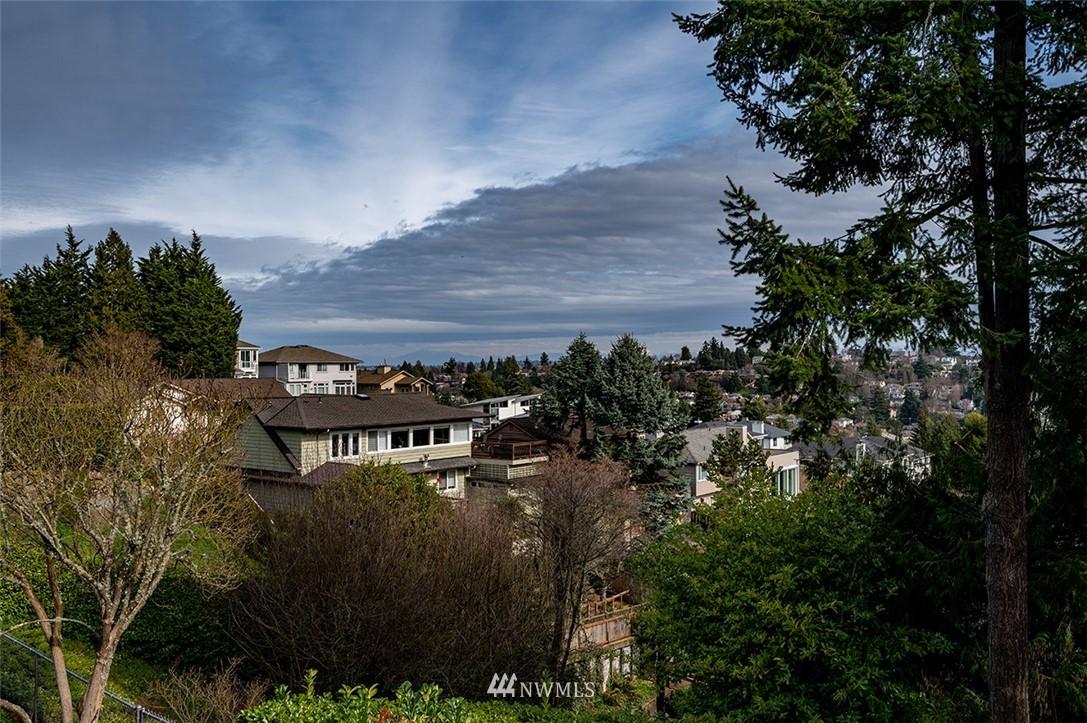 Sold Property | 2820 39th Ave W Seattle, WA 98199 12