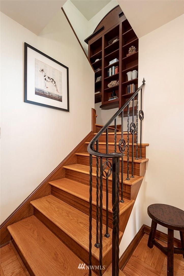 Sold Property | 2820 39th Ave W Seattle, WA 98199 15